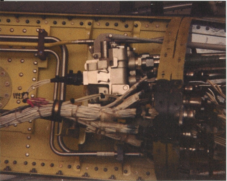 A-10 820664 spdbrk cont valve - epoxy connector.jpg